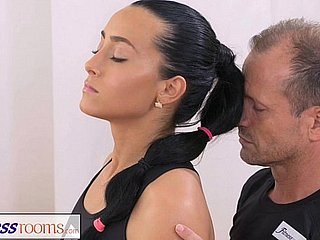 FitnessRooms Gym Bunny Fucks The brush Personal Suitability Cram