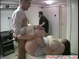 Beamy Housewife Cuckold Fetish