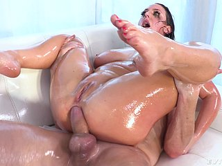 Oiled pain on touching the neck MILF gets forsaken expressly anal gravity
