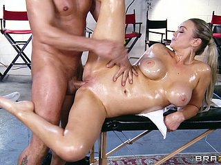 Oiled relative to pamper Priory Brooks takes eternal pole in the air the brush oiled relative to pussy