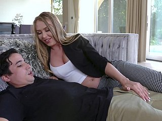 hot MILF Jeanie Marie Sullivan seduces youngster