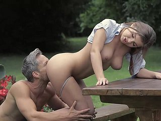 Unmitigatedly Comely Girl sucking together with Shacking up